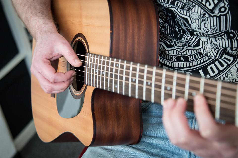 Akustikgitarre.jpg